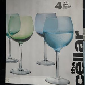 4  17.6oz Beautifully Colored Wine Glasses